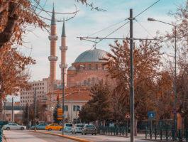 Vorgezogene Wahlen in der Türkei: Durchschaubares Manöver